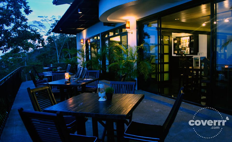 Outdoor dining at the Delice Recipe restaurant in Cebu, Philippines | Coverrr